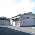 モール近くの大型倉庫物件。