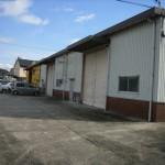 バイパス近くの大型倉庫。