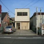 JR姫路駅徒歩圏内、2階建て倉庫付事務所物件。