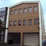 姫路駅徒歩圏内、2号線沿いの事務所です。