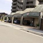 モール近く、駐車場2台込みの居抜き店舗物件。
