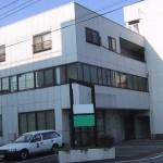 山電飾磨駅より徒歩10分、駐車場付1階事務所物件。