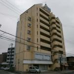 JR英賀保駅より徒歩1分、駐車場付の店舗・事務所物件。