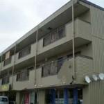 市川インター南、駐車場4台付の店舗物件。