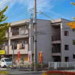JR加古川線 滝野駅より徒歩5分、駐車場2台込みの店舗物件。