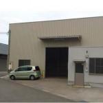 姫路バイパス西インターすぐ、事務所付倉庫物件。