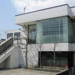 播但線 香呂駅近く、2階建ての店舗・事務所物件。