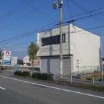 山電網干線 西飾磨駅近く、駐車場付の2階建て倉庫付事務所物件。