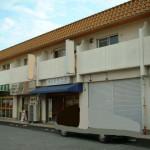 辻井、駐車場2台込みの2階建て住居付店舗物件。