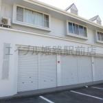 辻井の幹線道路沿い、1階の広々とした店舗物件。