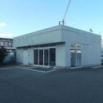 田寺、目立つ場所に建つ広々とした居抜き店舗物件。