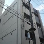 姫路駅より徒歩8分、電動シャッター付事務所物件。