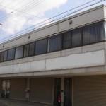 姫路バイパス中地インター南、2階建て店舗・事務所物件。