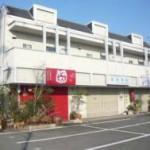JR英賀保駅より徒歩10分、駐車場4台付の店舗物件。