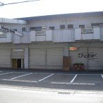 太子町の街道沿いに位置する大型貸店舗です。