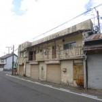 播但線 京口駅近く、駐車場付の2階建て住居付店舗物件。