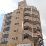姫路駅より徒歩4分、7階建ての最上階にある事務所物件。