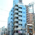 JR西明石駅より徒歩4分、角地でよく目立つ事務所物件。